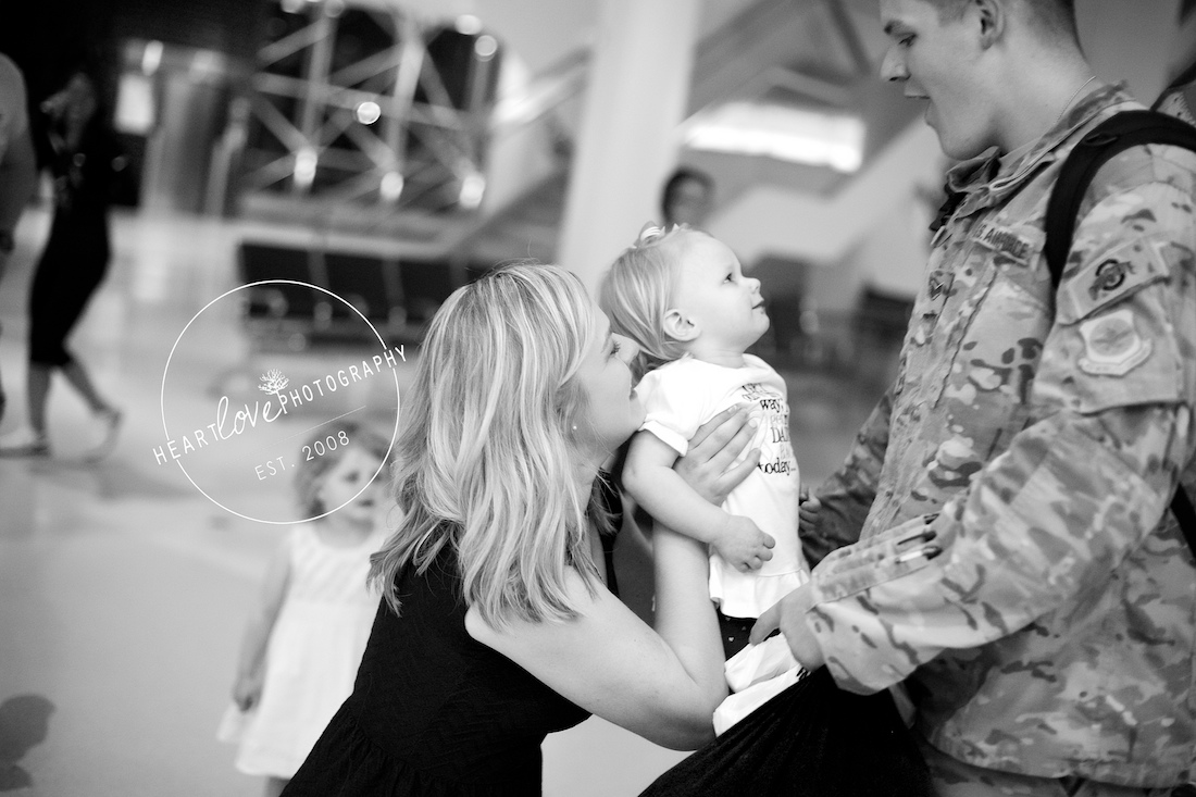 bwi military homecoming photographer | midnight homecoming