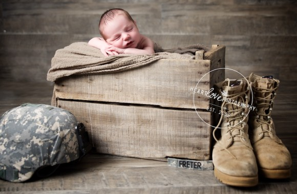 army newborn photos | maryland newborn photographer